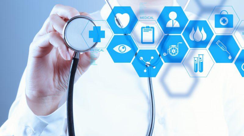 médico con estetoscopio