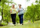"""Demasiado colesterol """"malo"""" puede tapar tus arterias. 10 hábitos saludables para disminuirlo de forma efectiva"""