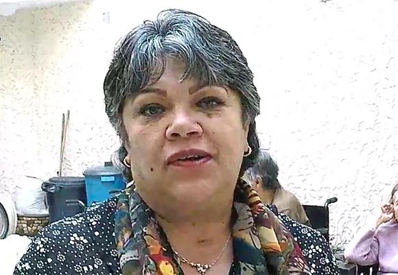 Foto de la administradora de la Fundación Un Hogar para el Anciano, Martha Sánchez